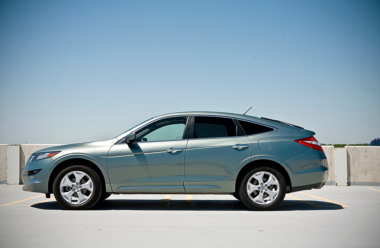 1005 21 2010 Honda Accord Crosstour Profile View