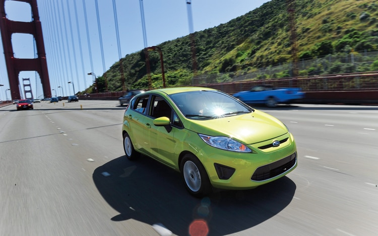 1007 01 2011 Ford Fiesta Front Three Quarters View