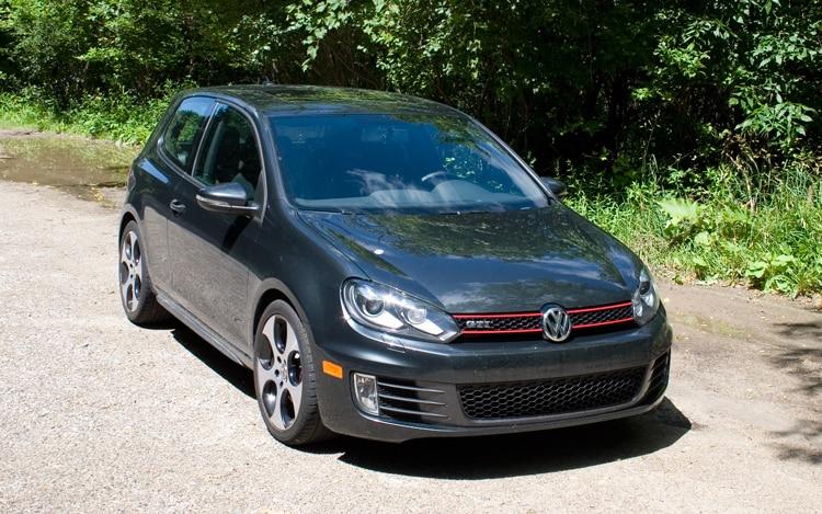 2010 Volkswagen GTI Front1
