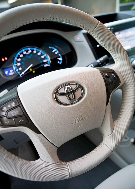 2011 Toyota Sienna Xle Automobile Magazine