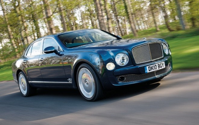 21 2011 Bentley Mulsanne Front Three Quarter View 660x413