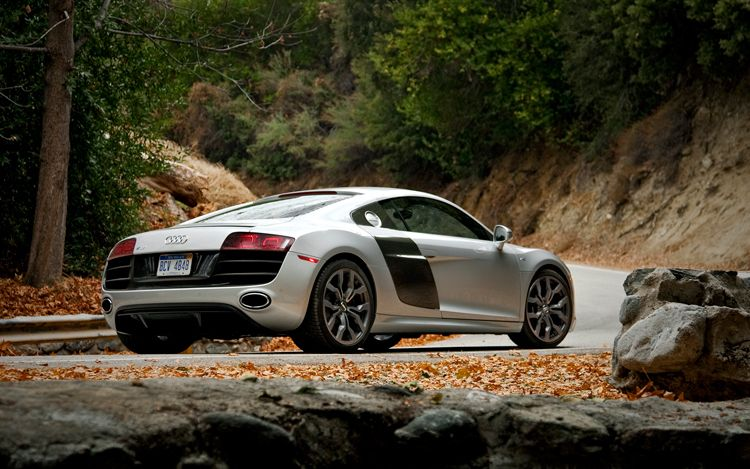 twitter contest puts audi r8 drive experience as grand prize. Black Bedroom Furniture Sets. Home Design Ideas