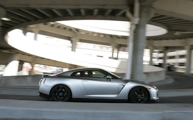 2009 Nissan GT R Side Static In Motion1 660x413