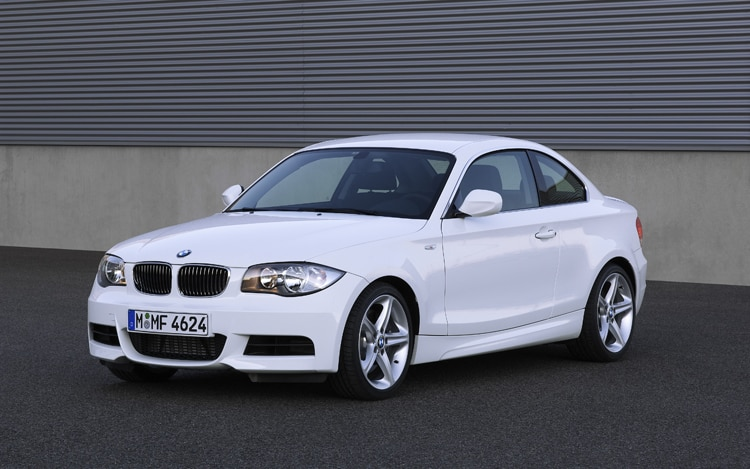 2010 BMW 135i Coupe Front Three Quarters Static Driver1