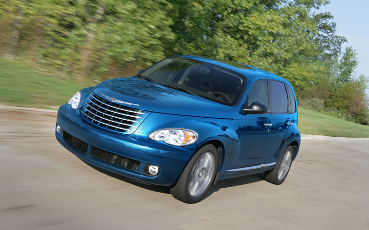 2010 Chrysler PT Cruiser Front Three Quarters1
