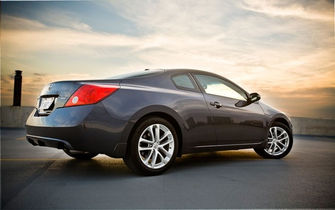 2010 Nissan Altima 3 5 SR Rear Three Quarters 660x413