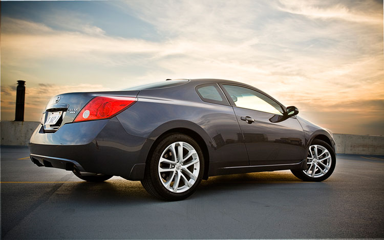 2010 Nissan Altima 3 5 SR Rear Three Quarters