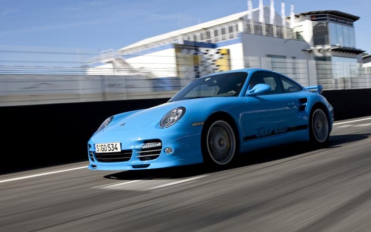 2010 Porsche 911 Turbo Front Three Quarters Driver1