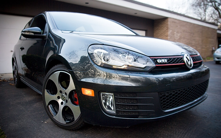2010 Volkswagen GTI Front Three Quarters Close