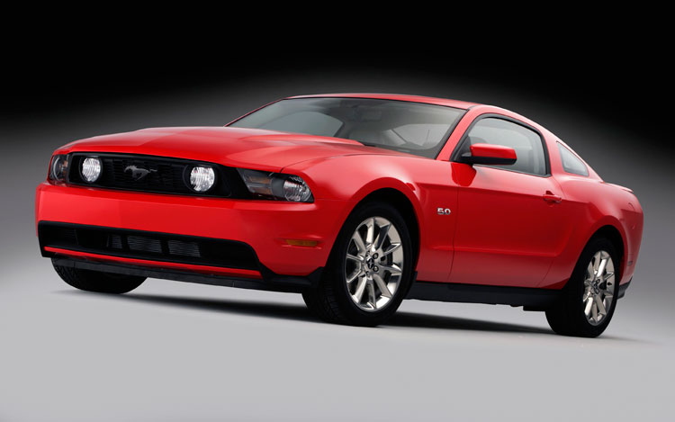 2011 Ford Mustang GT Front Three Quarters3