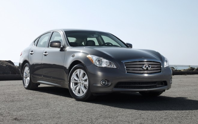 2011 Infiniti M56 Front Three Quarters Static Passenger2 660x413