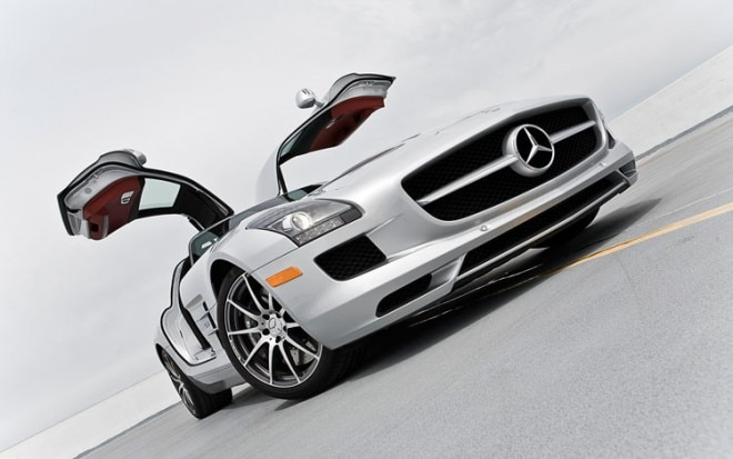 2011 Mercedes Benz SLS AMG Front End3 660x413