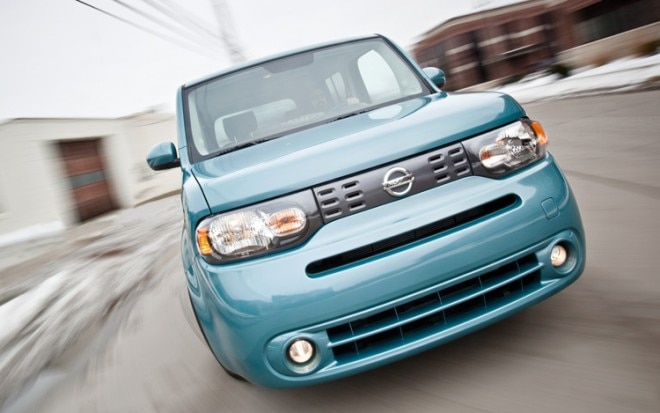 2009 Nissan Cube SL Front End In Motion1 660x413