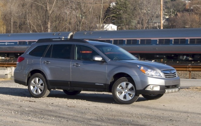 2010 Subaru Outback Side1 660x413