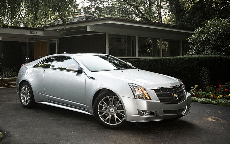 2011 Cadillac CTS Coupe Front Three Quarters2