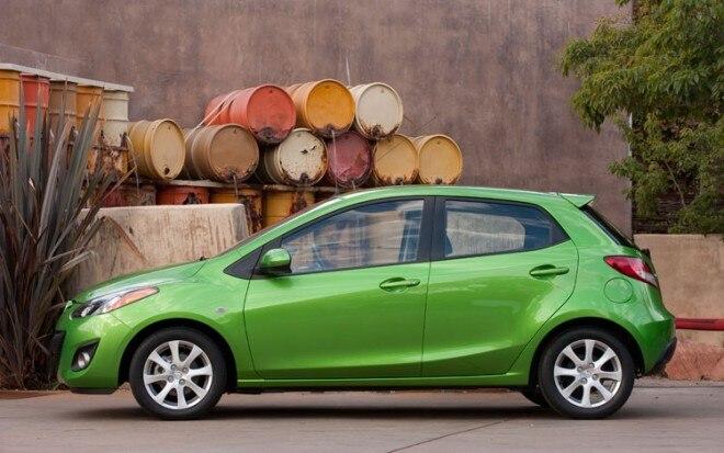 2011 Mazda2 Side3 660x413