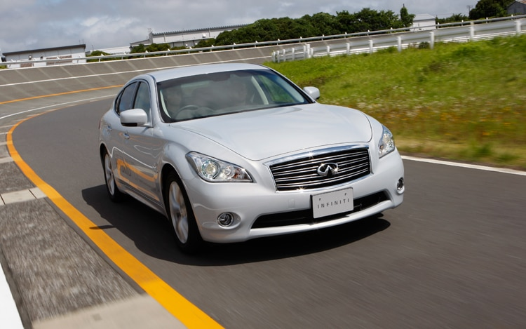 2012 Infiniti M35 Hybrid Front View