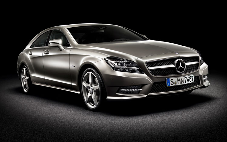 2012 Mercedes Benz CLS Class Front Three Quarters 2