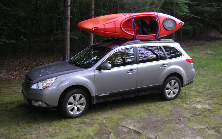 2010 Subaru Outback Front Three Quarters Static1