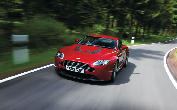 2011 Aston Martin V12 Vantage Front End In Motion