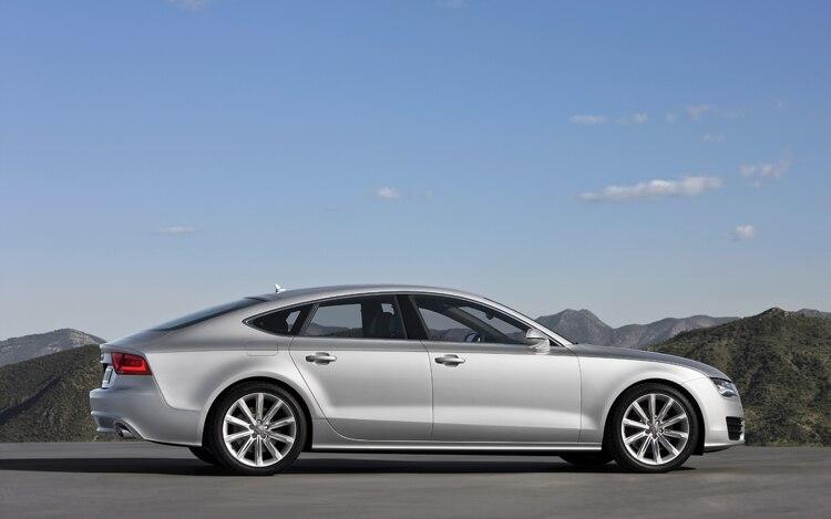 2011 Audi A7 Side View1