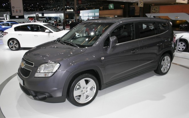 2011 Chevrolet Orlando Front Three Quarters