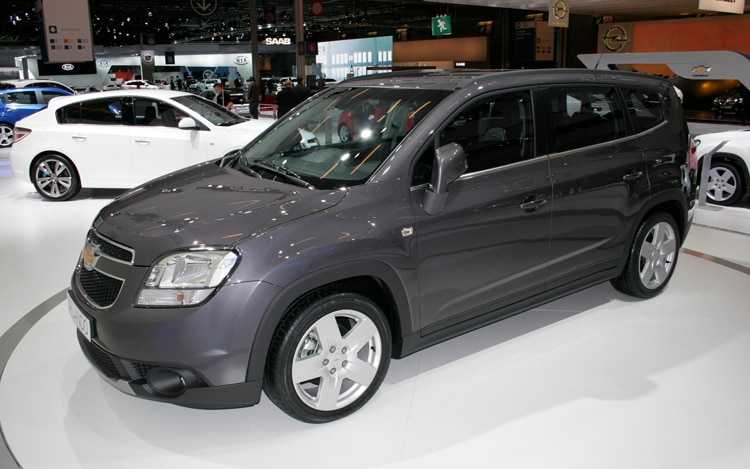 2011 Chevrolet Orlando Front Three Quarters