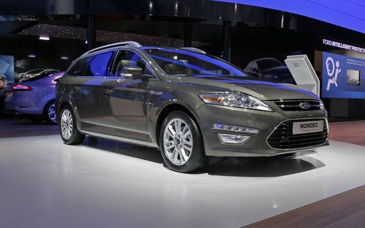 2011 Ford Mondeo Wagon Front Three Quarter1