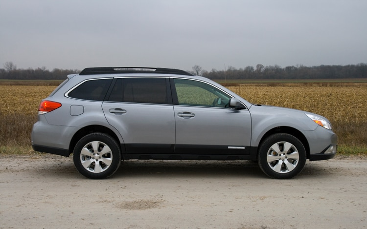 2010 Subaru Outback Side View Static1