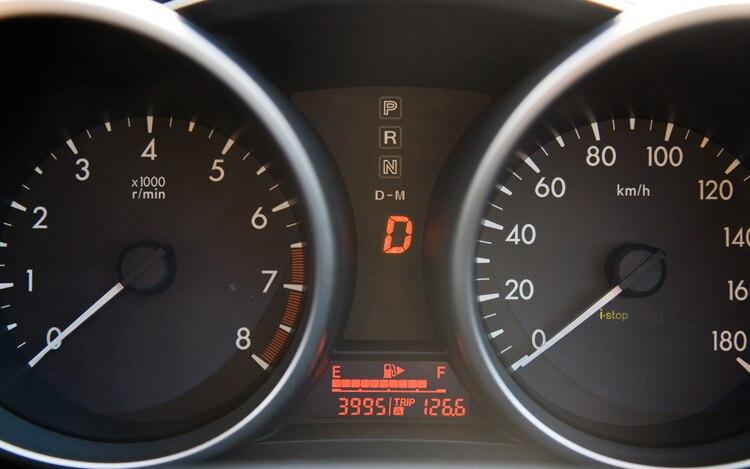 http://st.automobilemag.com/uploads/sites/11/2010/12/2010-mazda3-i-stop-gauges.jpg