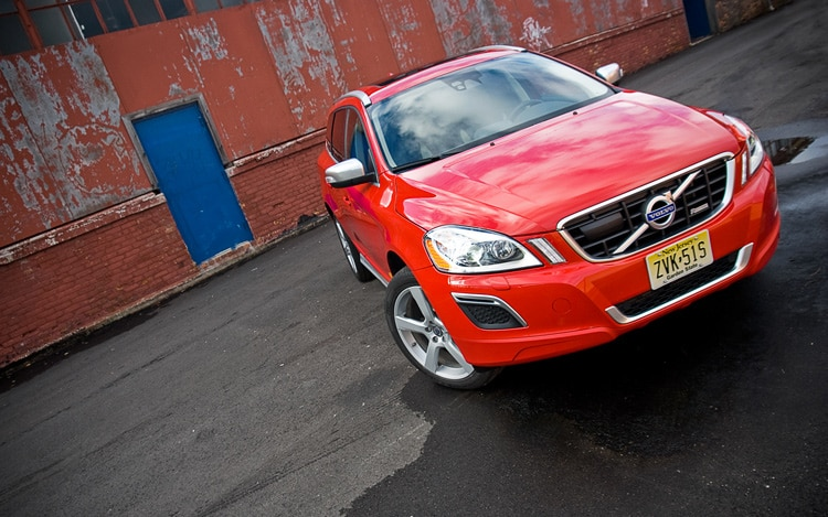 2010 Volvo XC60 T6 R Design Front Three Quarters