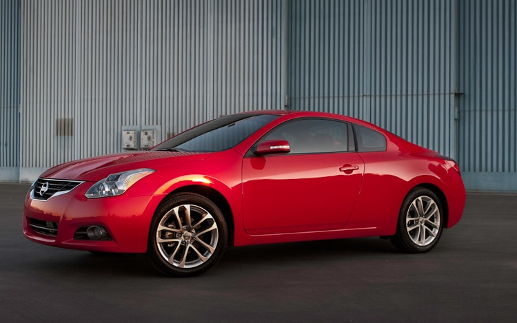 2011 Nissan Altima Coupe 2 5S Front Three Quarters View1