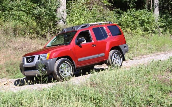 2011 Nissan Xterra Pro 4x Front Three Quarters View Driver 660x413