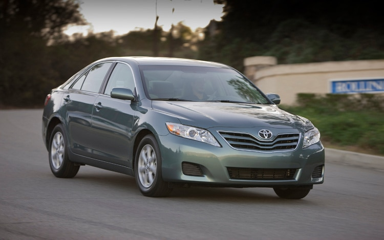 2011 Toyota Camry Front Three Quarters Passenger