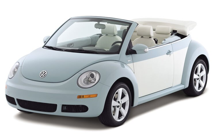 2010 Volkswagen New Beetle Convertible Front Three Quarters1
