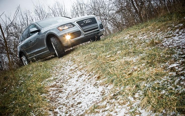 2011 Audi Q5 2 0t Front Three Quarters Passenger1