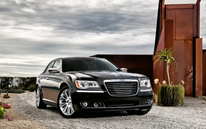 2011 Chrysler 300 Front Three Quarter 660x413