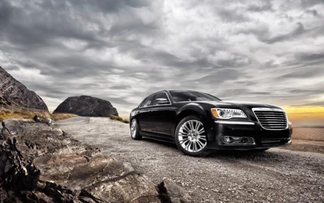 2011 Chrysler 300 Front Three Quarter