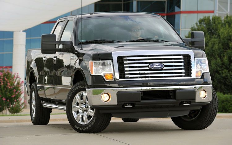 2011 Ford F 150 Front Three Quarters 21