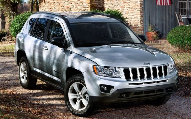 2011 Jeep Compass Front Three Quarter View1 660x413