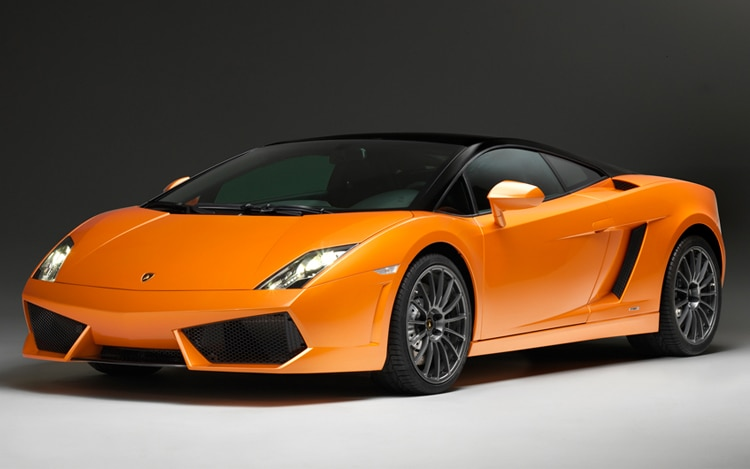 2011 Lamborghini Lp560 4 Bicolore Front Three Quarter1