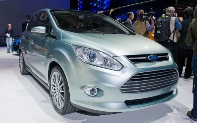 2012 Ford C Max Energi Front View11 660x413