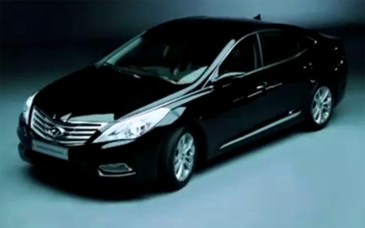 2012 Hyundai Grandeur Azera Front Three Quarter View 11