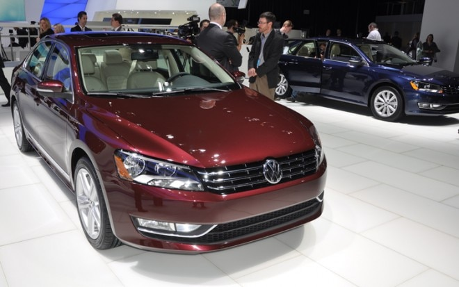 2012 Volkswagen Passat Front Three Quarter View1 660x413