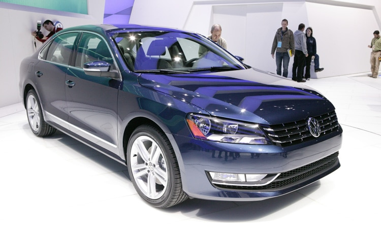 2012 Volkswagen Passat Front Three Quarters