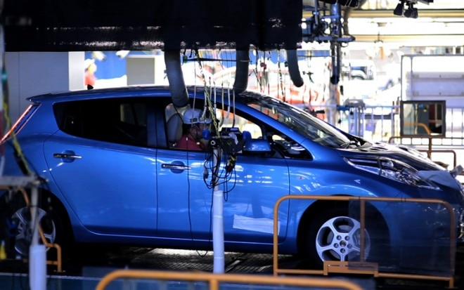 Nissan Leaf Production Line Vehicle Inspection1 660x413