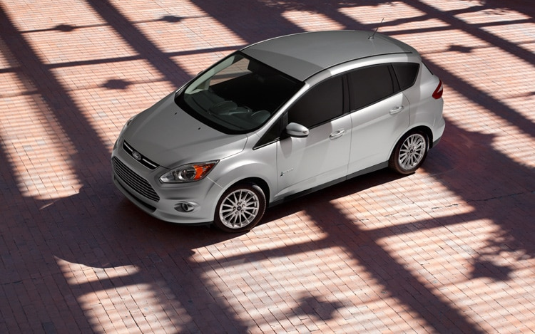 Ford C MAX Hybrid Front Quarters View