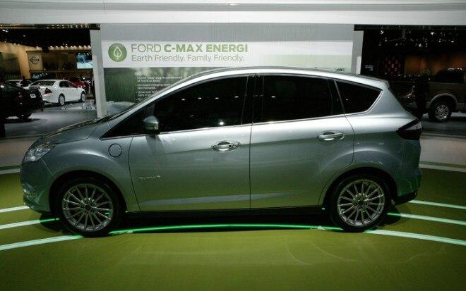 Ford C Max Energi Side1 660x413