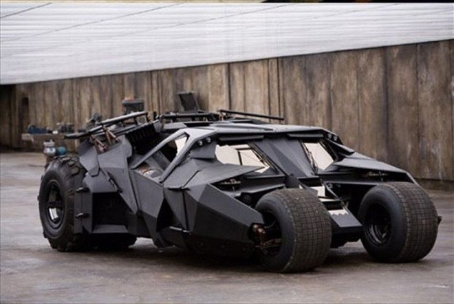 Tumbler Batmobile Front Quarter 660x442
