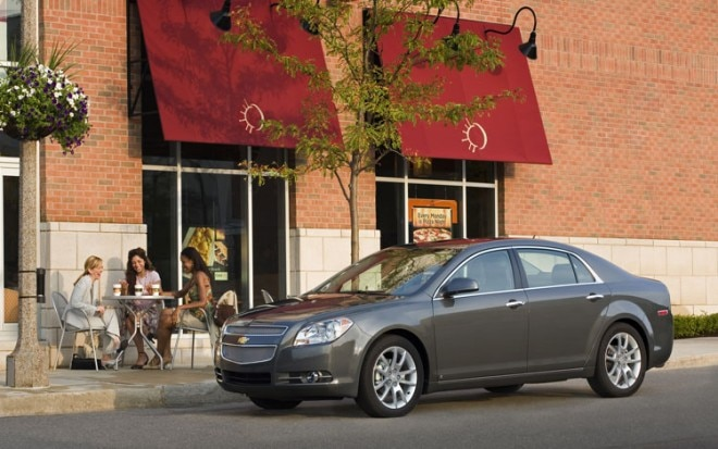 2010 Chevrolet Malibu Front Three Quarters 660x413